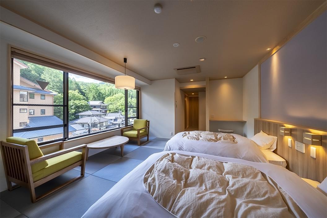 【503】かけ流し温泉付【和室ベッド】12畳|別所ビューの画像1