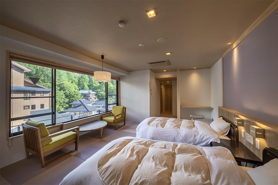 【603】かけ流し温泉付【和室ベッド】12畳|別所ビューの画像1