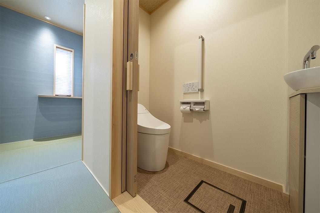 【605】かけ流し温泉付【和室ベッド】16畳|北向観音ビューの画像3